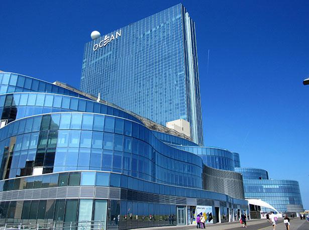 March revenue plunges as virus shuts casinos