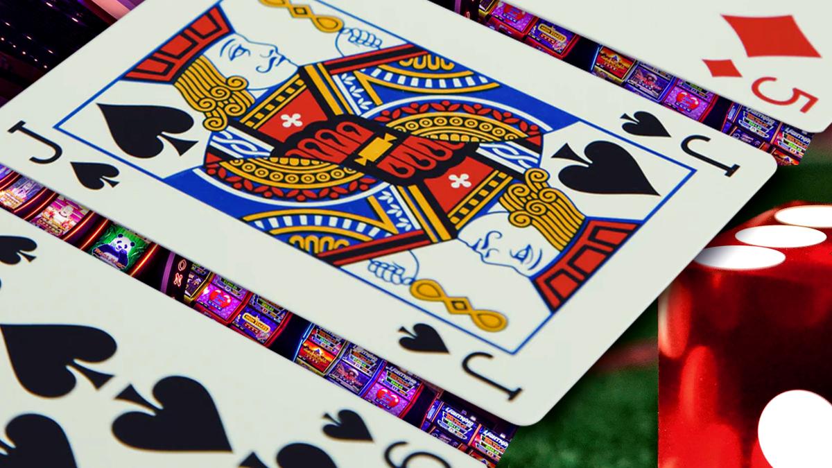 Campuran Kartu Kasino, Dadu dan Slot